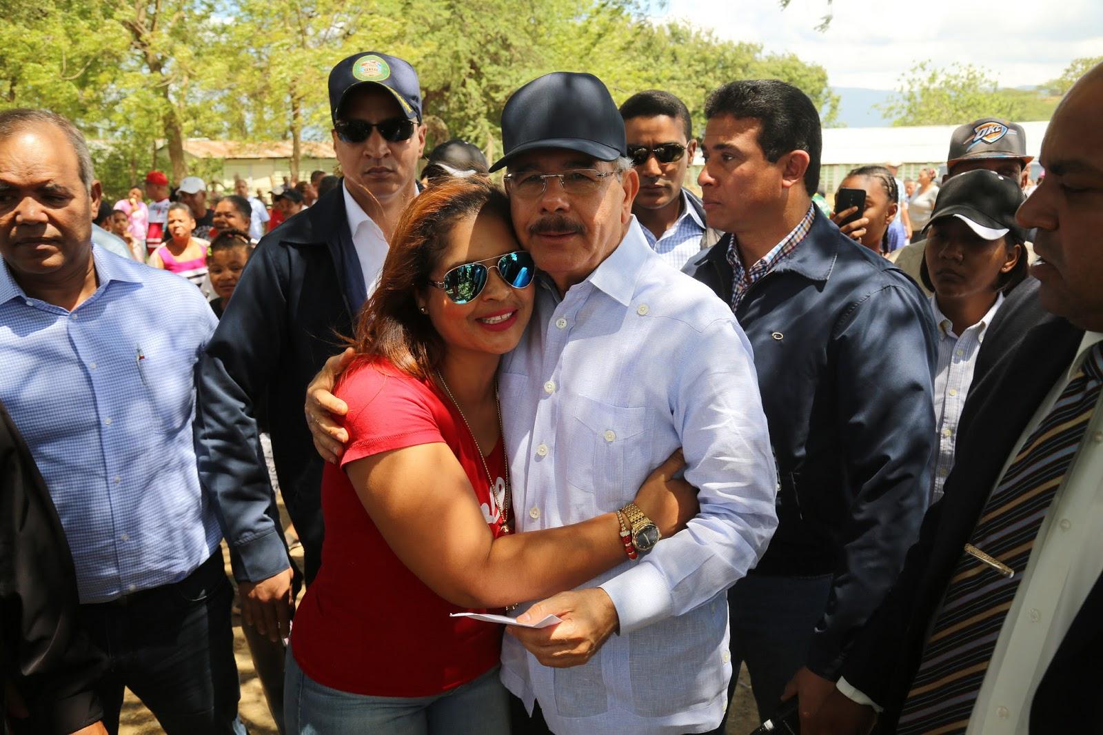 VS202: Danilo ofrece apoyo construcción granja crianza cerdos en Cienfuegos