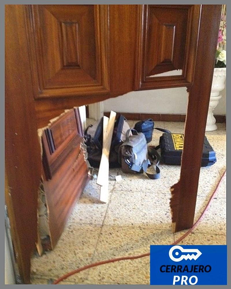 Cerraduras de seguridad versus puertas blindadas en barcelona for Puertas madera barcelona