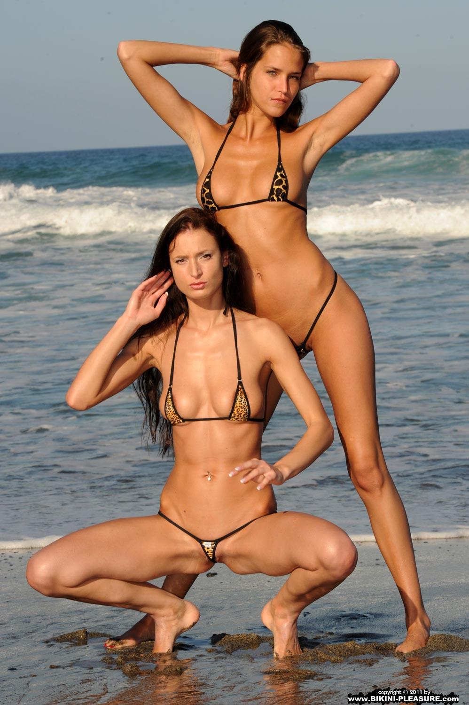 mini vids micro bikini
