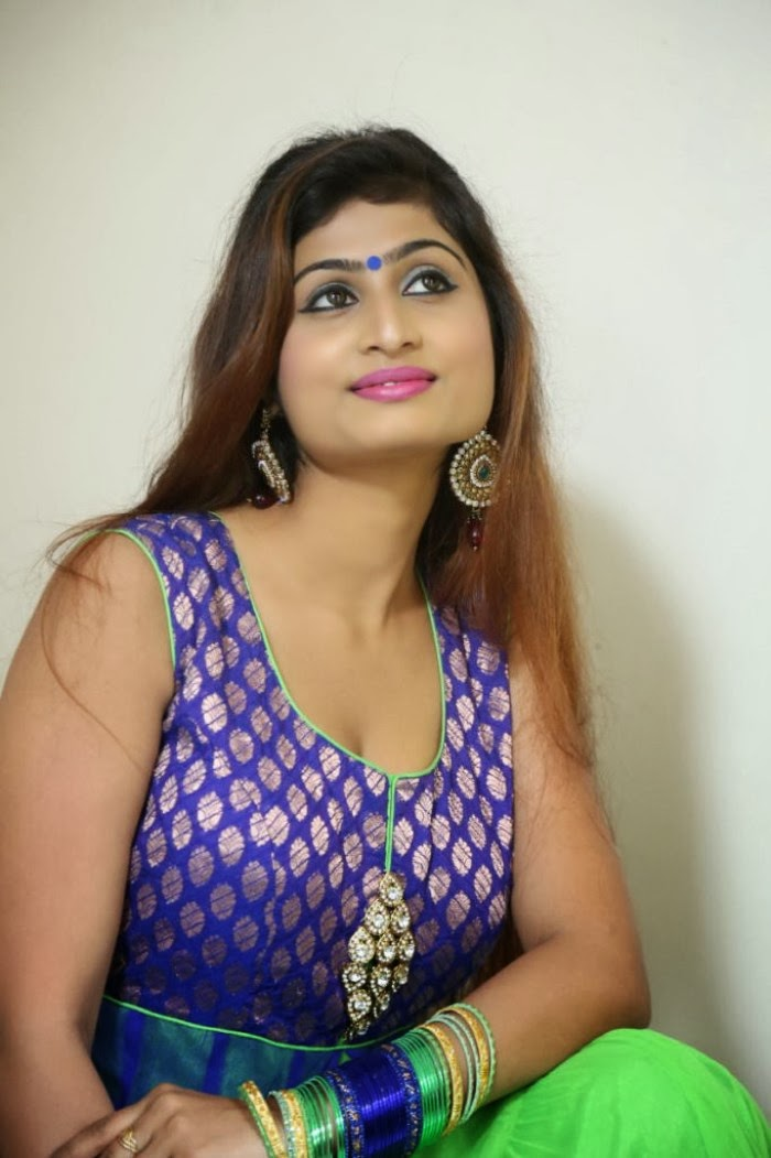 Swapna Press Meet Actress Latest Idhe Charutho Dating Film