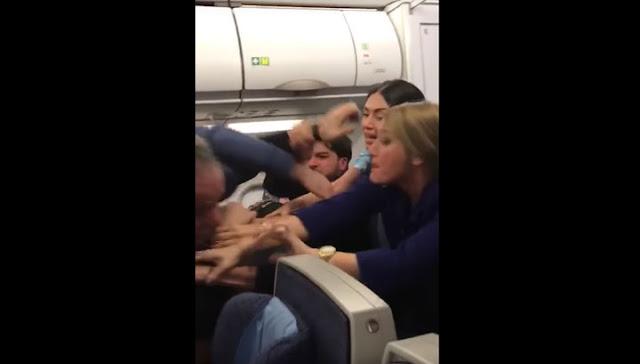Драку в самолете Бейрут-Лондон сняли на видео
