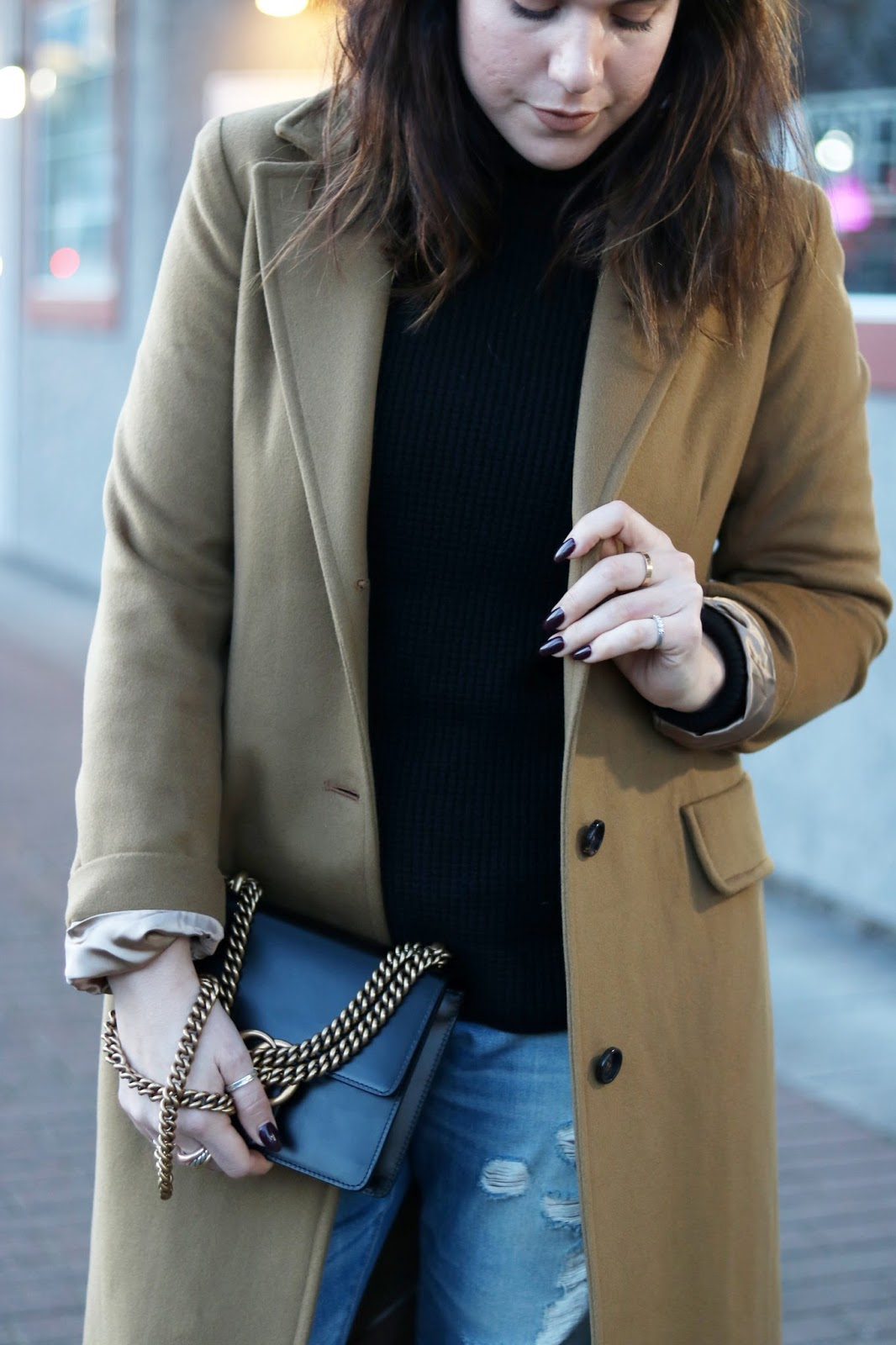 winter weekend outfit camel wool coat boyfriend jeans ankle boots vancouver blogger gucci marmont bag
