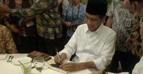 Presiden Resmi Akan Mengangkat Honorer Menjadi CPNS