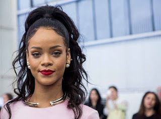 rihanna hottest female singers