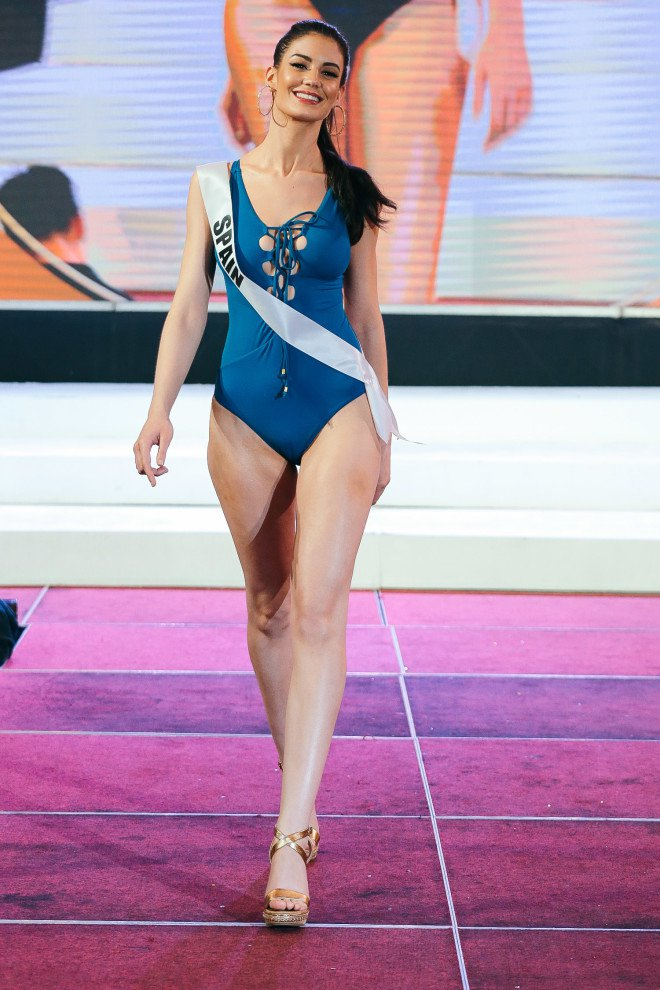 Miss China's Swimsuit Attire Goes Viral And Everyone Is Talking About It! Why?