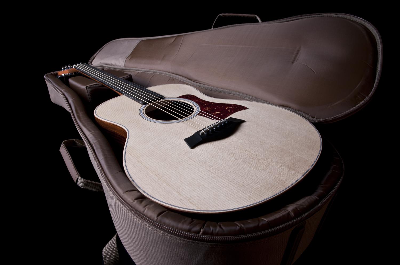 bao đựng đàn guitar