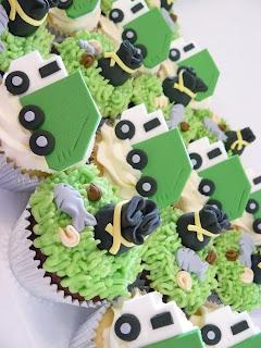 Bin Truck cupcakes