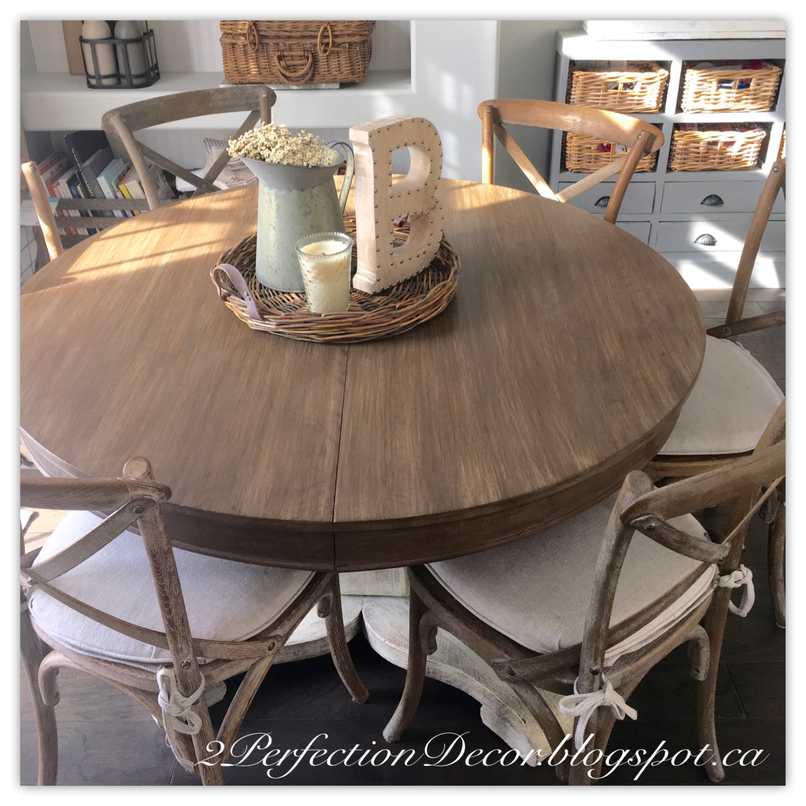 2Perfection Decor Round Kitchen Table Makeover