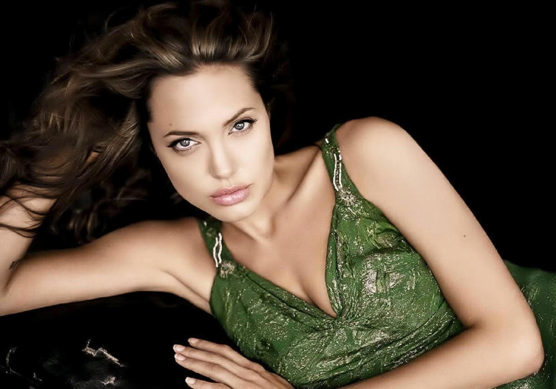 CELEBRITIES HD WALLPAPER DOWNLOAD: Angelina Jolie HD Wallpapers Fee Download
