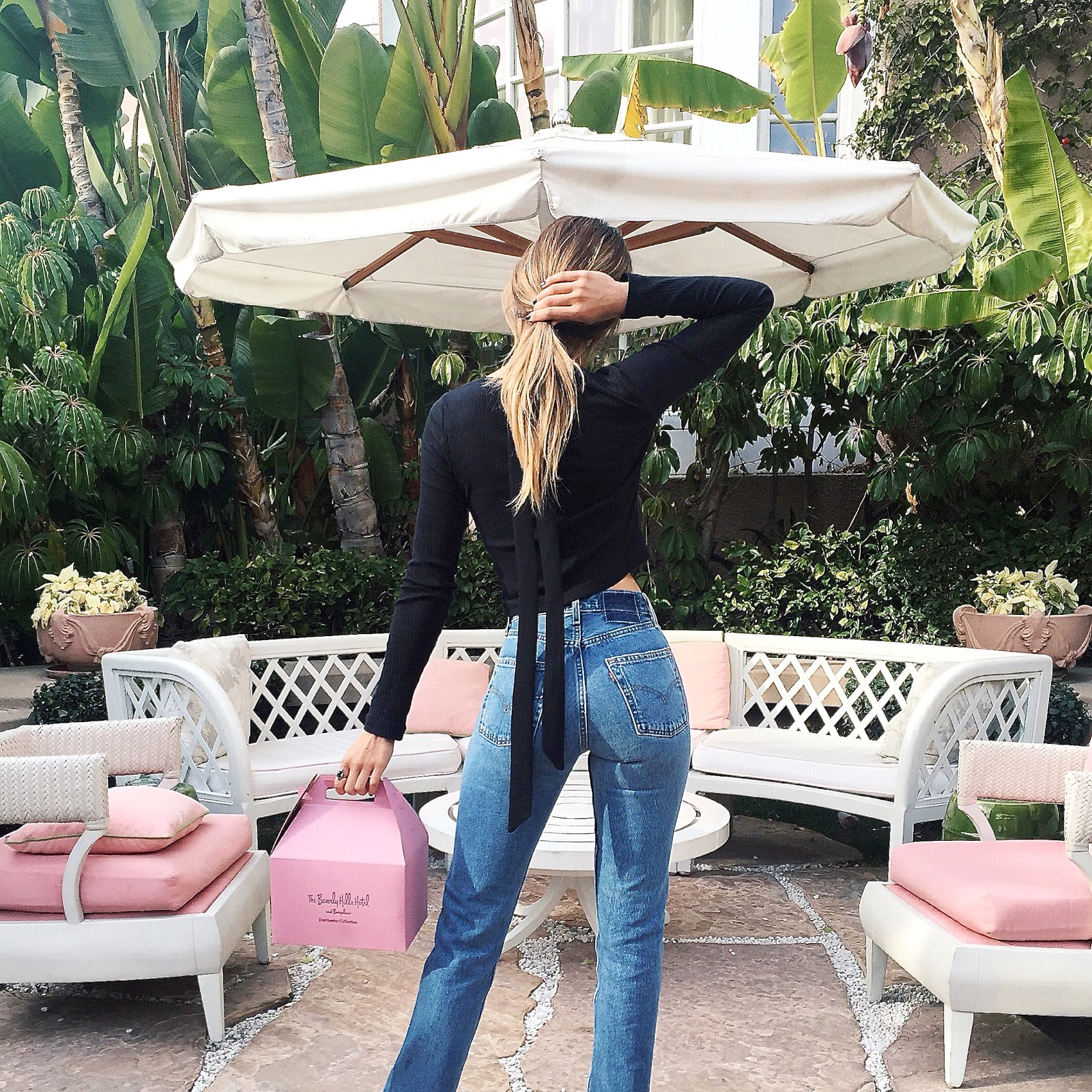 I Love All The Cute Pink Details At Beverly Hills Hotel And My New Vintage Levi S That Got From Reformation