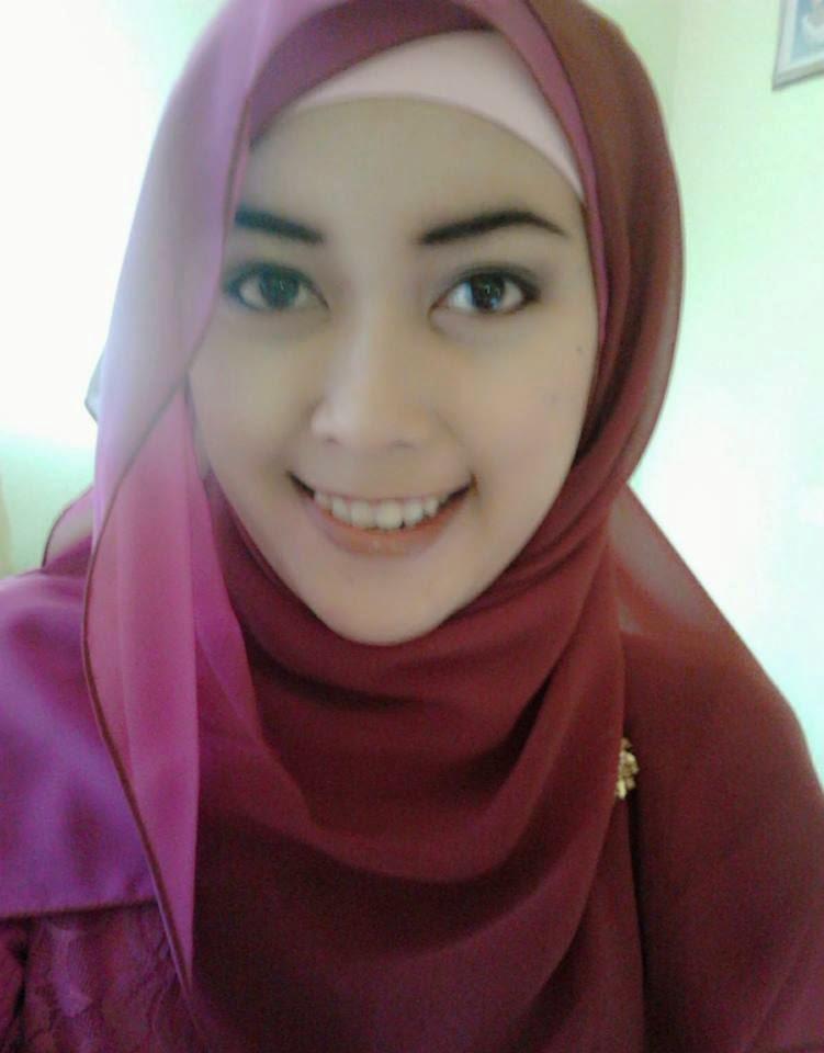 Wanita berjilbab mesum hot terbaru Pic 17 of 35
