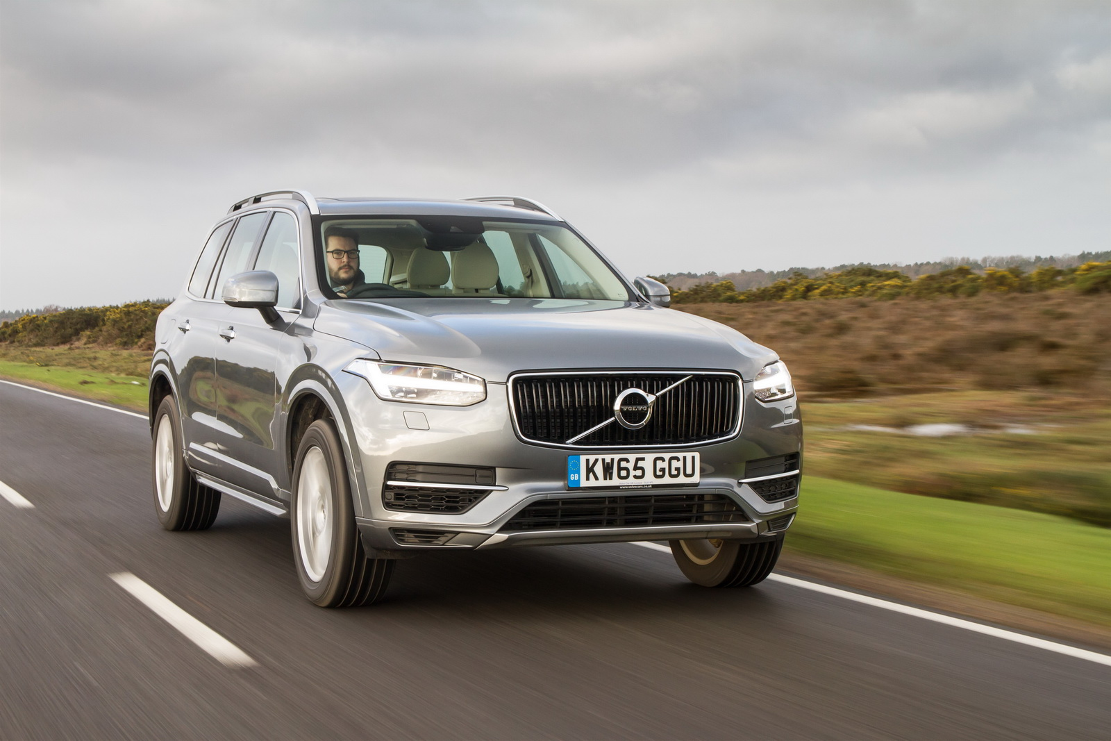 volvo details frugal xc90 t8 phev in new gallery 192 pics. Black Bedroom Furniture Sets. Home Design Ideas
