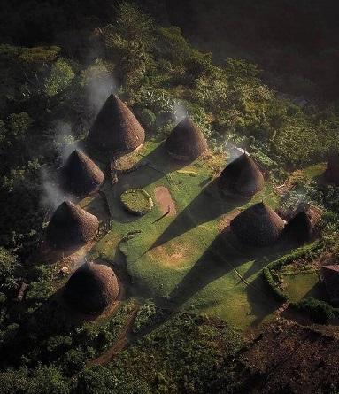Kampung Adat Waerebo Flores, Nusa Tenggara Timur - foto instagram ali_olfat