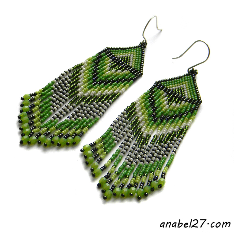 Купить серьги из бисера зеленые сережки весна украшения