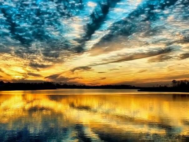 صور رائعه لجمال السماء وصفاء الماء image052-780181.jpg