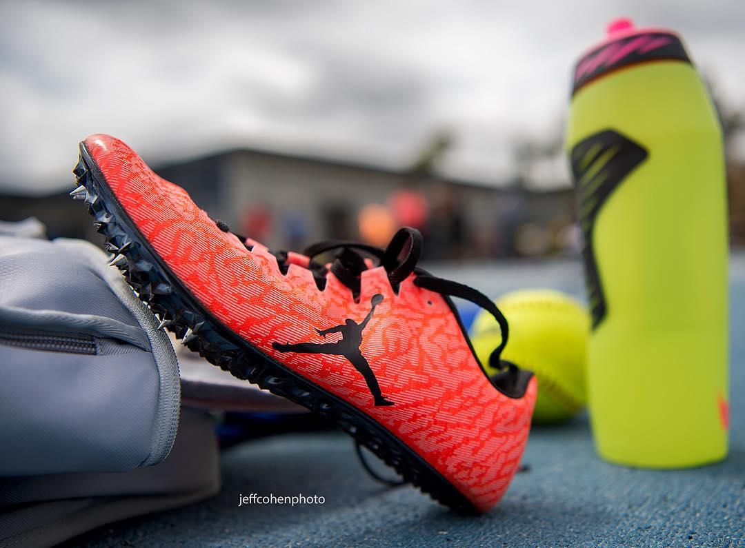 Pochi Di Una Jordan Spikes Nel Segno Air Per Chiodata qvXSzx1w