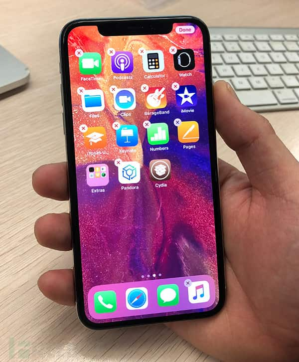 iPhone X running iOS 11.2.1 – iOS 11.2 has been Jailbroken | But there is a bad news