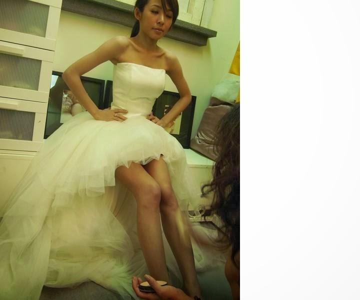 Nice Pretty bride Girls with short skirt Photos