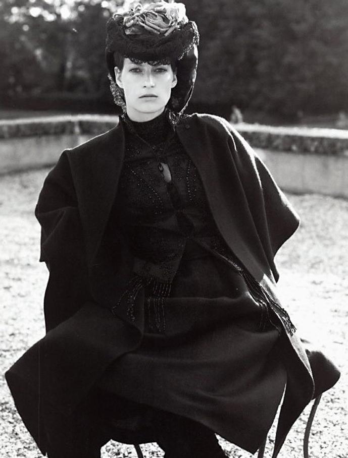 Liliana Dominguez wearing Mila Schon photographed by Steven Meisel for La Famiglia / Vogue Italia September 2001