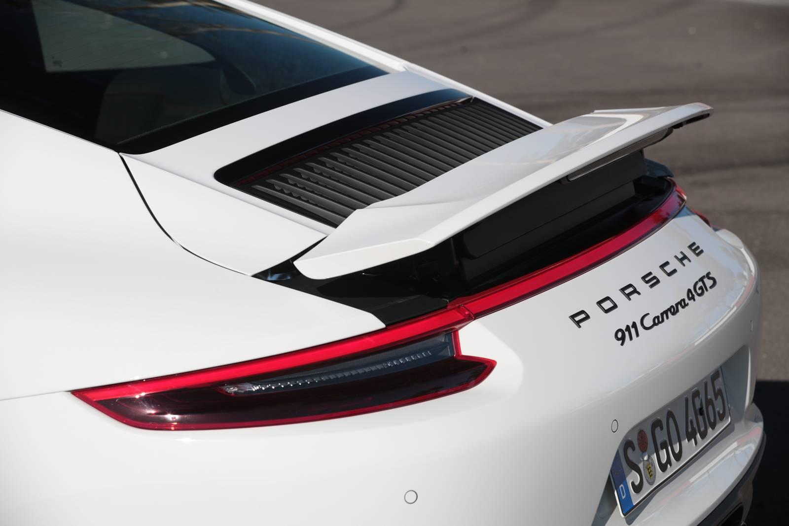 Tył Porsche 911 Carrera 4 GTS