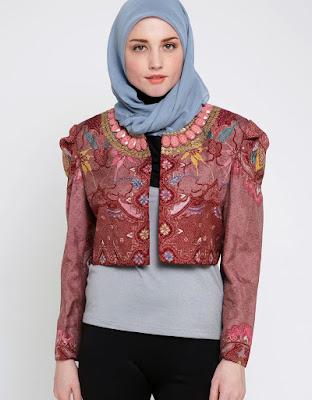 Model Blazer Batik Dian Pelangi Terbaru Atasan Kaos