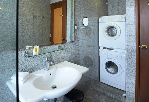 Fortville Studio C Bathroom