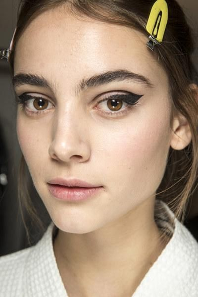 chic and trendy fall makeup idea