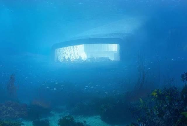 Restourant underwater