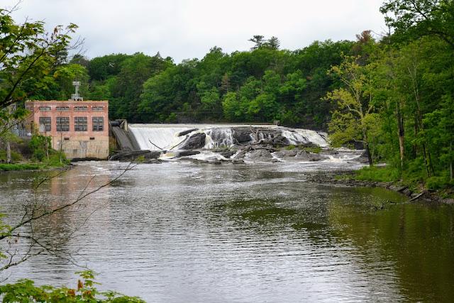 Водоспад. Штат Нью-Йорк. (Waterfall, NY)