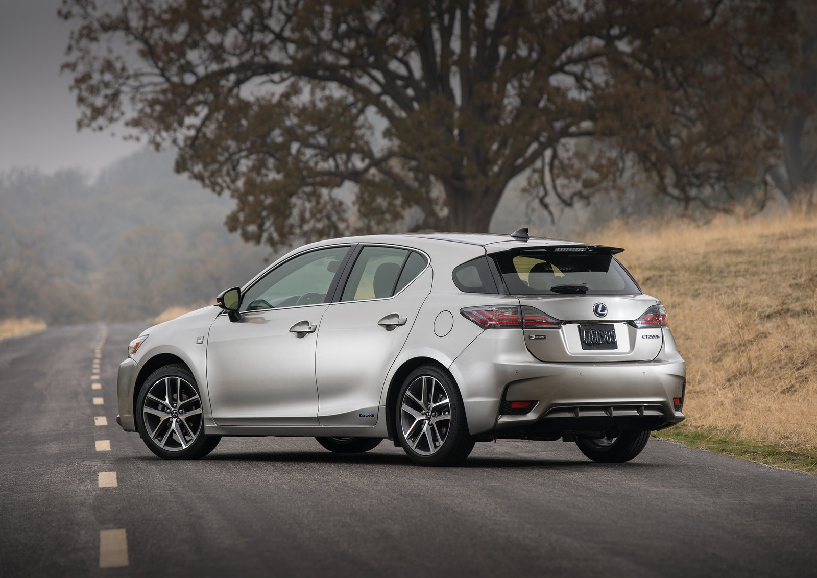 lexus ct200h getting the axe in america. Black Bedroom Furniture Sets. Home Design Ideas