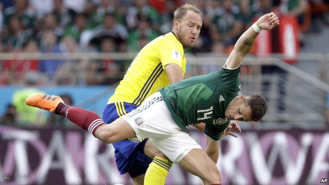 México sufrió pero logró el pase a octavos / AP