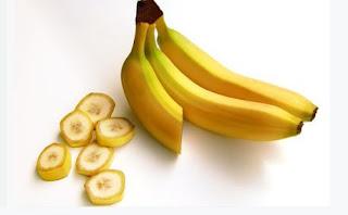 pisang dapat digunakan sebagai umpan atau campuran umpan ikan nila, ikan mujair, ikan bawal, ikan jambal atau patin dan ikan mas.