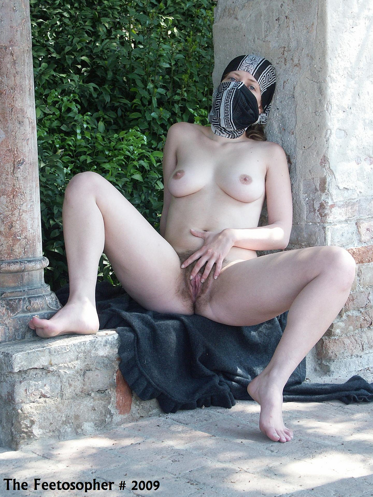 Hot wife naked with bush