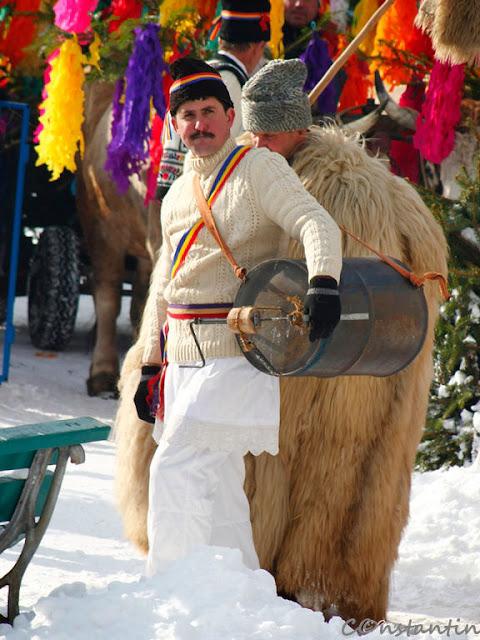 Datini şi obiceiuri strămoşeşti - Comãneşti - Bacãu-blogul FOTO-IDEEA
