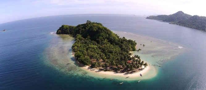 Peneliti dari Pusat Penelitian Laut Dalam Lembaga Ilmu Pengetahuan Indonesia (PPLD-LIPI) Ambon, Arif Seno Adji, mengatakan untuk mendapatkan informasi spasial yang akurat mengenai zona geomorfologi pulau Pombo, Kabupaten Maluku Tengah, diperlukan penginderaan jauh menggunakan citra satelit.