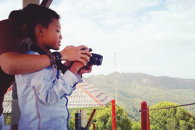 Bersantai di Puncak Gunung Widosari Samigaluh, Kulon Progo