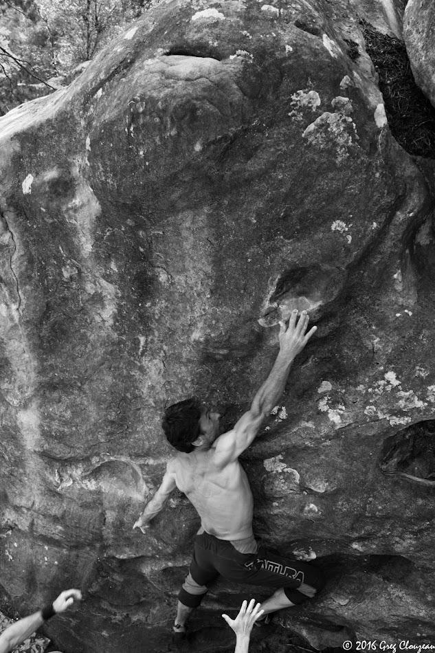 Franck se tend dans les racines, Trois Pignons, (C) 2016 Greg Clouzeau