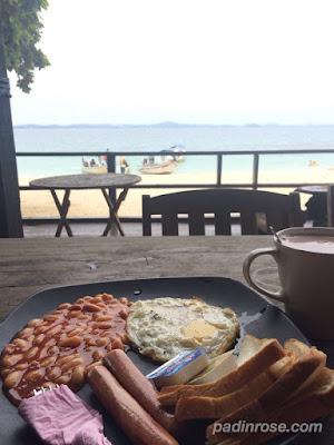 sarapan di ombak cafe