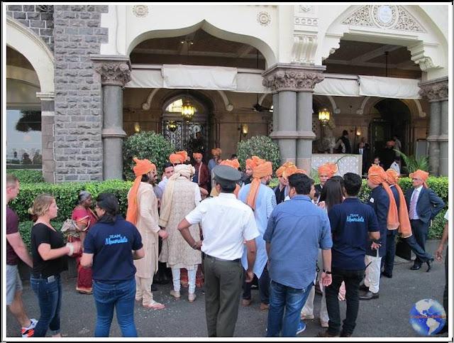 A chegada do noivo indiano ao casamento