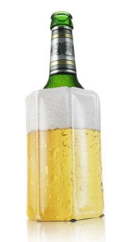 Fundas llenas de agua para enfriar cerveza.