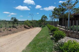 http://vnoticia.com.br/noticia/2254-proibido-o-transito-de-caminhoes-na-estrada-da-cobica-que-corta-a-estacao-ecologica-de-guaxindiba