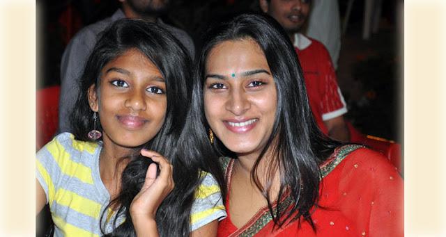 Surekha Vani and her Daugher Kala Chashma Dance