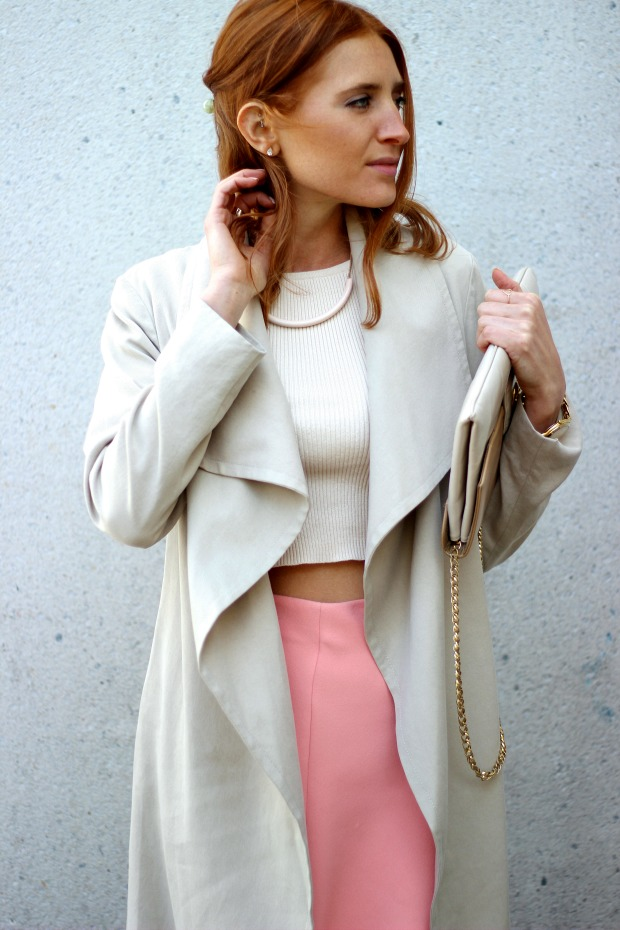 Pink skirt and nude crop for spring style.Vintage accessories
