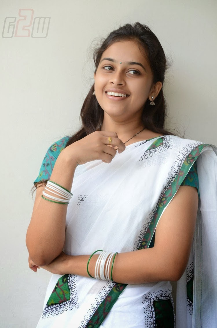 Actress Sri Divya Photos: South Actress Hot Pics: SOUTH ACTRESS SRI DIVYA LATEST