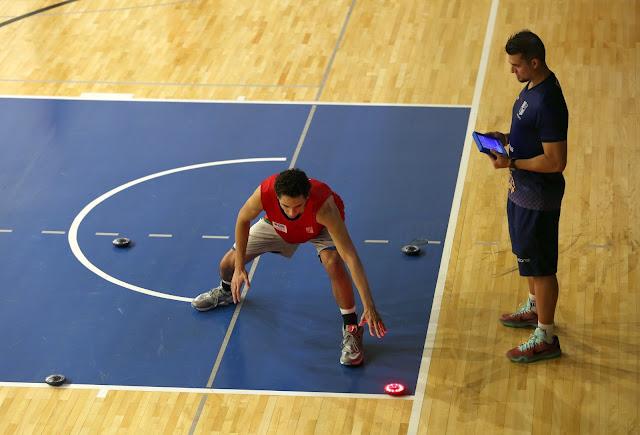 Bruno Guedes, atleta do Sub19, treina sob orientação de Paulo Alberto [Orlando Bento/Minas]