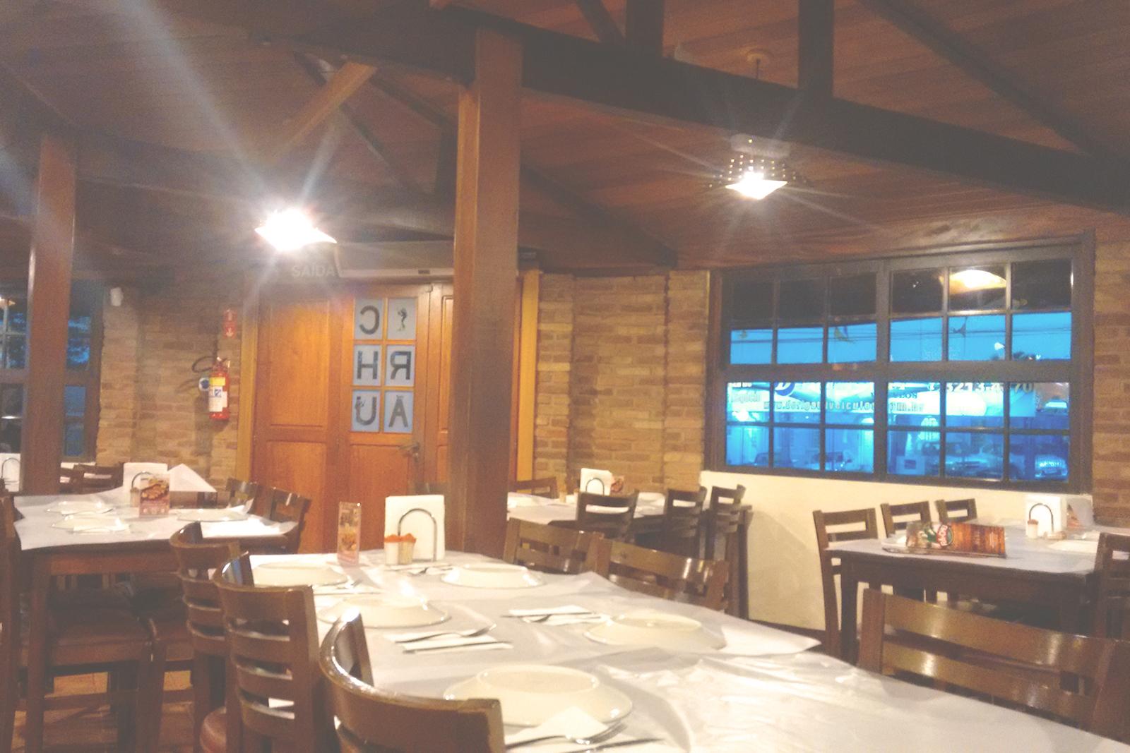 interior mesas restaurante rã-chu campinas