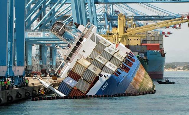 photo of container vessel heavy listing during cargo operation