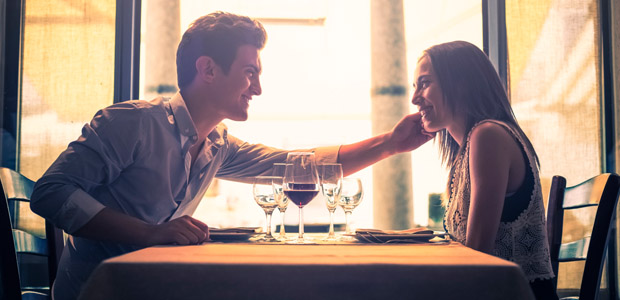 Sepuluh Tanda Perasaan Cinta Yang Dibuktikan Pria Untukmu