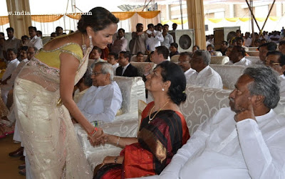 Celebrities-at-Sabitha-Indra-Reddy-Son-Wedding-(13)8540