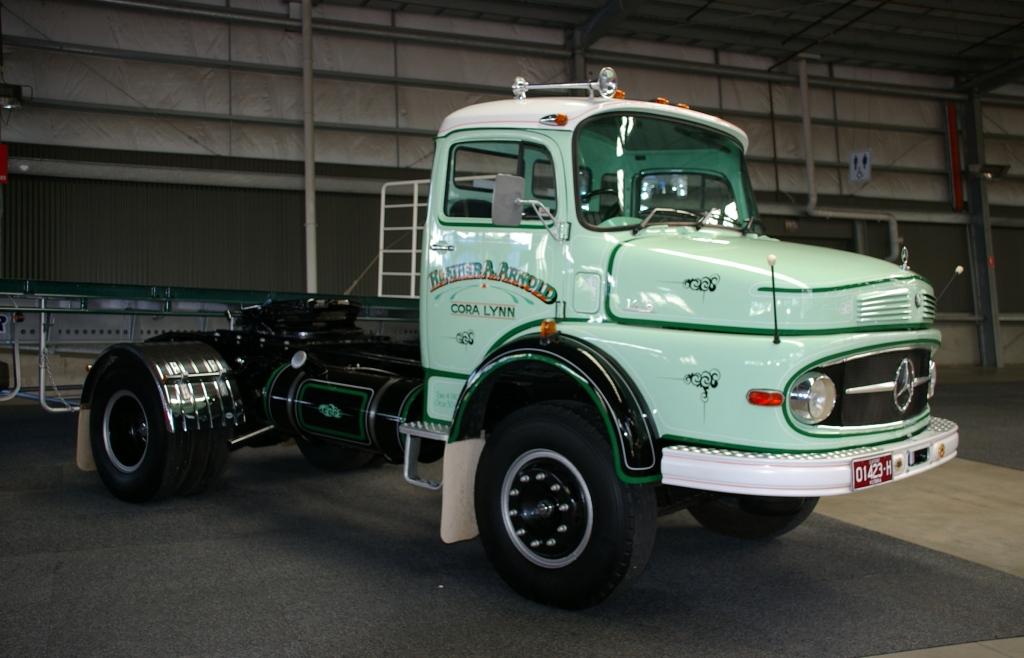 Historic trucks melbourne international truck and trailer for International mercedes benz